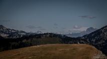Plateau de Beurre et vue sur le Dévoluy (Obiou) et Oisans ( La Muzelle)